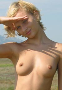 Leena 10