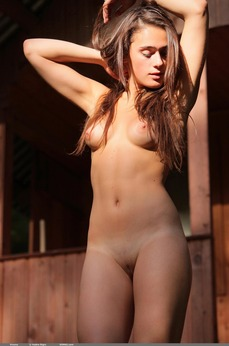 Vinona beautiful naked brunette flawless pussy young girl next door gorgeous natural beauty perfect perfection